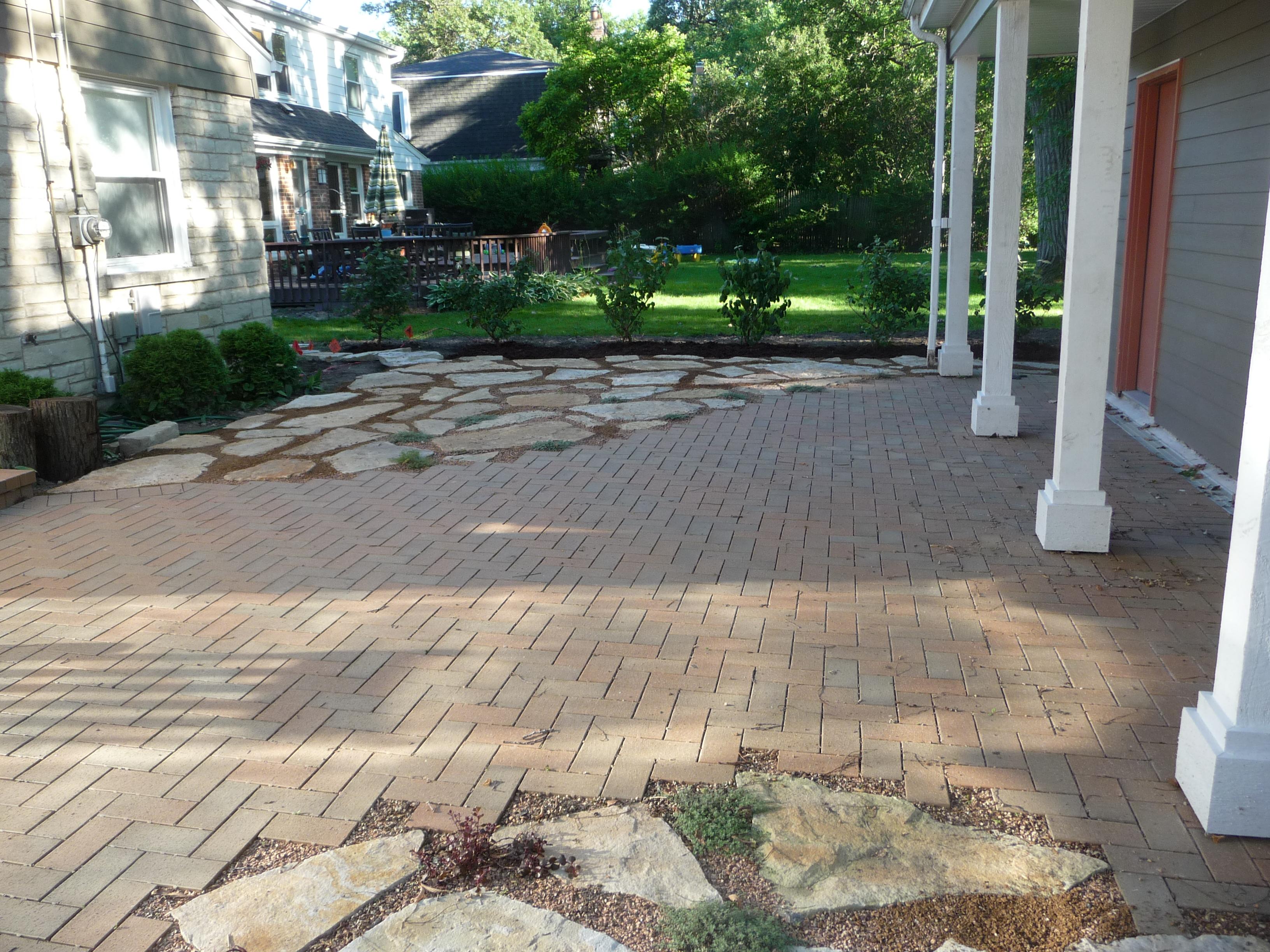 Quartzite Flagstone And Beldon Brick Paver Patio Design